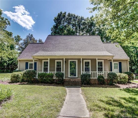 401 Sunnywood Lane, Charlotte, NC 28270 (#3508966) :: Rinehart Realty