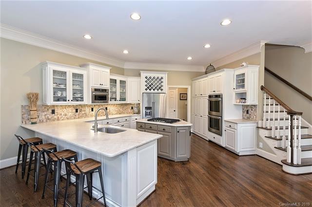 14836 Jockeys Ridge Drive, Charlotte, NC 28277 (#3510172) :: Homes Charlotte
