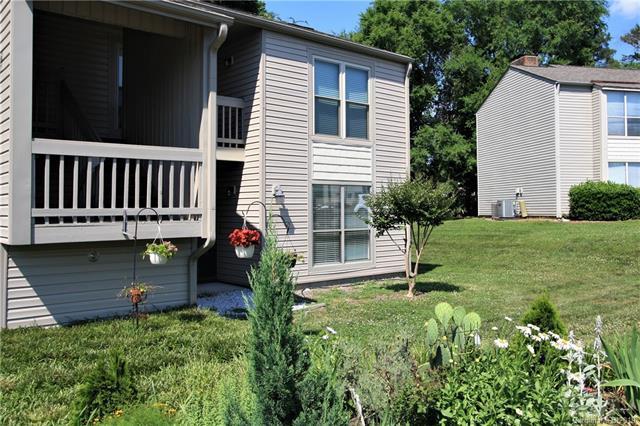 11032 Cedar View Road, Charlotte, NC 28226 (#3510231) :: Carlyle Properties