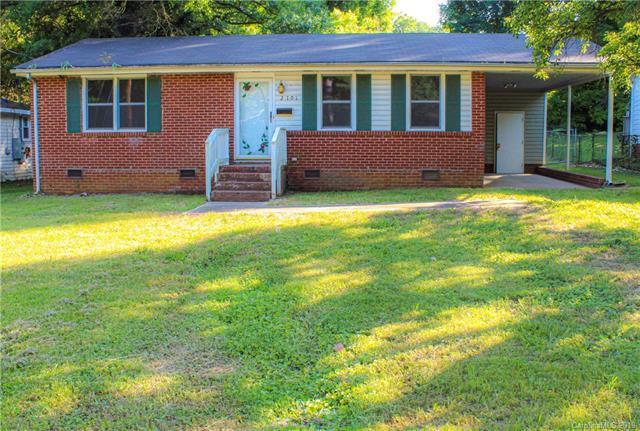 2701 Ravencroft Drive, Charlotte, NC 28208 (#3510298) :: Besecker Homes Team