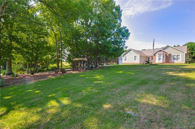144 St Martins Lane #20, Statesville, NC 28677 (#3512188) :: Francis Real Estate