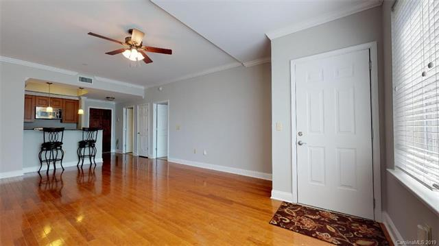300 W 5th Street #117, Charlotte, NC 28202 (#3513964) :: Stephen Cooley Real Estate Group