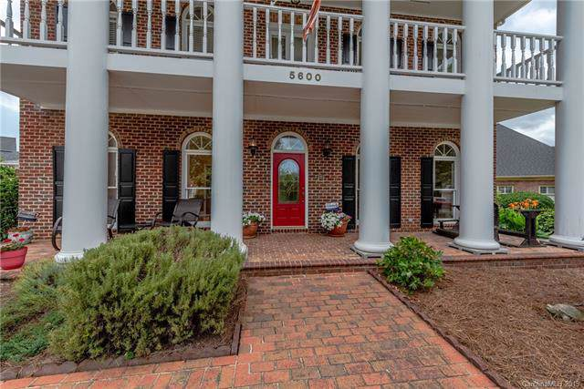 5600 Sunstar Court, Charlotte, NC 28226 (#3514089) :: Charlotte Home Experts