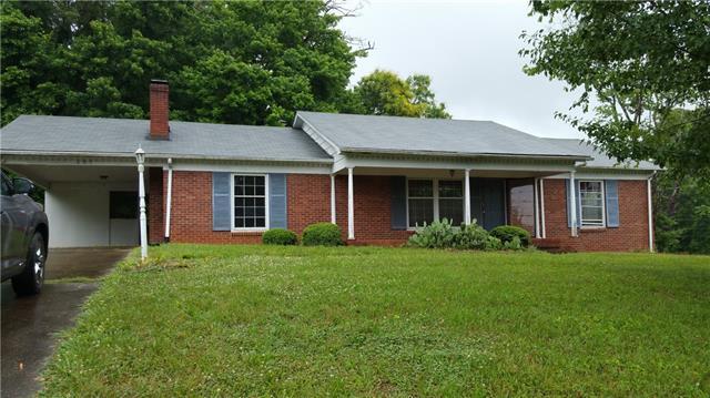 809 NE Lynview Street NE, Lenoir, NC 28645 (#3514148) :: Washburn Real Estate
