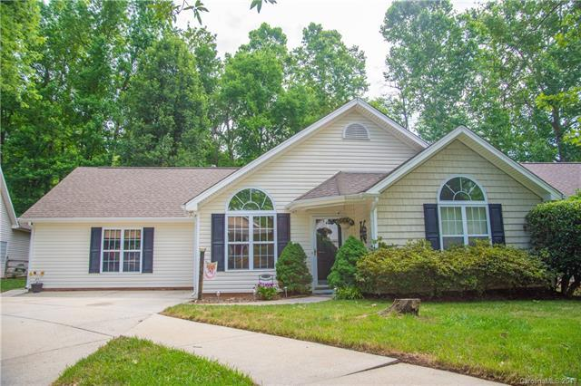 13618 Glencreek Lane, Huntersville, NC 28078 (#3517140) :: Exit Realty Vistas
