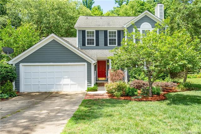 9908 Wolf Creek Trail, Charlotte, NC 28269 (#3519175) :: The Ramsey Group