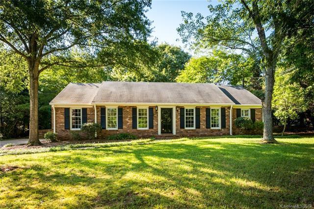 1043 Conestoga Drive, Charlotte, NC 28270 (#3519351) :: Besecker Homes Team