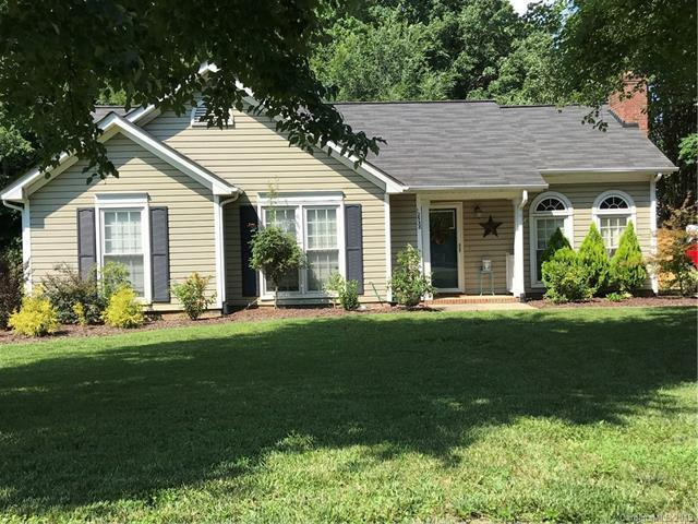 12538 Levins Hall Road, Huntersville, NC 28078 (#3520016) :: The Andy Bovender Team