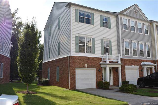 2940 Castleberry Court, Charlotte, NC 28209 (#3520300) :: The Andy Bovender Team
