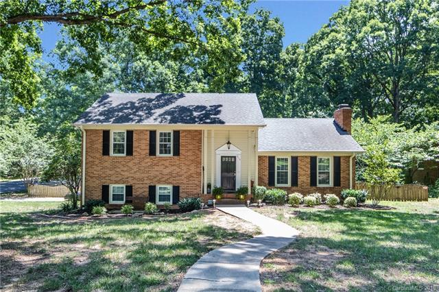 910 Longbow Road, Charlotte, NC 28211 (#3521242) :: Team Honeycutt
