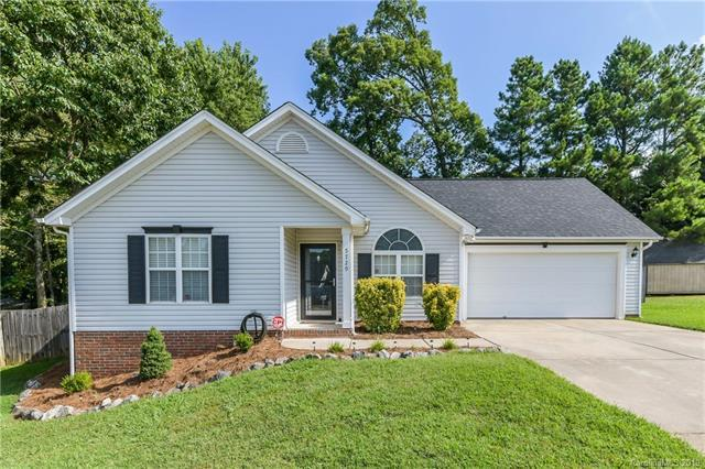 5729 Kemp Mundy Lane, Charlotte, NC 28216 (#3522593) :: High Performance Real Estate Advisors