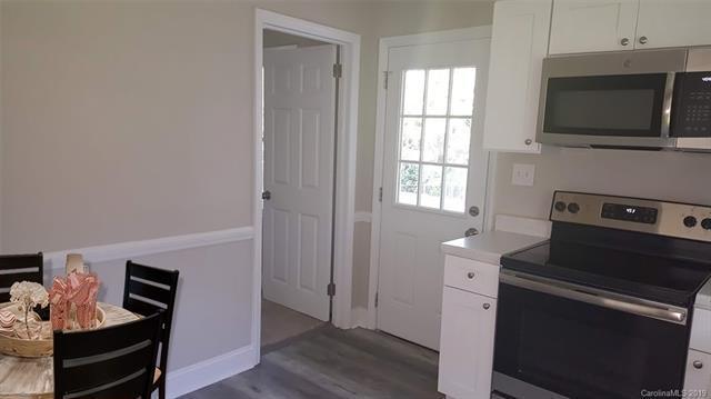 916 Summer Drive, Gastonia, NC 28052 (#3525358) :: Caulder Realty and Land Co.