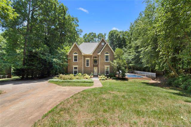 5031 Saddlehorn Trail, Matthews, NC 28104 (#3526454) :: Charlotte Home Experts