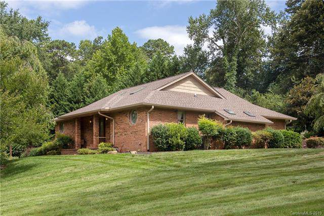 113 Pait Drive, Hendersonville, NC 28791 (#3526527) :: Rowena Patton's All-Star Powerhouse