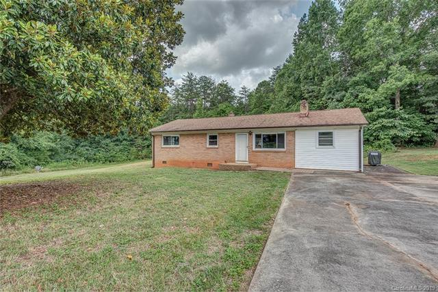 2237 Fallsdale Drive, Gastonia, NC 28052 (#3528652) :: Caulder Realty and Land Co.