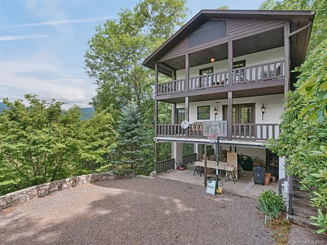 821 Summit Drive, Maggie Valley, NC 28751 (#3529478) :: Francis Real Estate