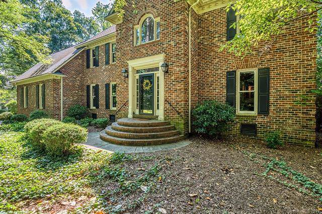 11203 Brittany Oaks Drive, Charlotte, NC 28277 (#3530938) :: Caulder Realty and Land Co.