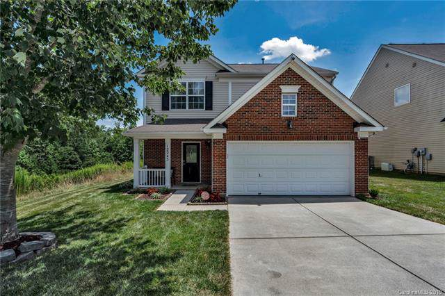 12245 Hunting Birds Lane, Charlotte, NC 28278 (#3531264) :: Keller Williams South Park
