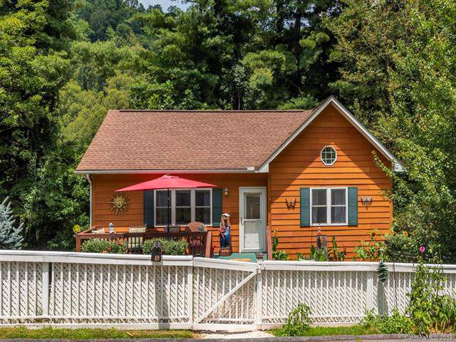 40 Whippoorwill Way, Waynesville, NC 28786 (#3532240) :: Charlotte Home Experts