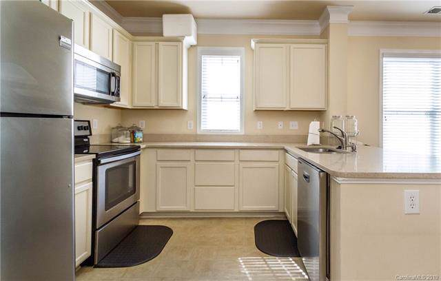 2074 Ayrsley Town Boulevard, Charlotte, NC 28273 (#3532820) :: Homes Charlotte