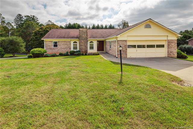 30 St Andrews Drive, Etowah, NC 28729 (#3533757) :: Keller Williams Professionals