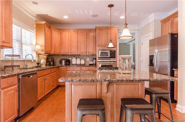 9344 Standerwick Lane, Huntersville, NC 28078 (#3536190) :: MartinGroup Properties