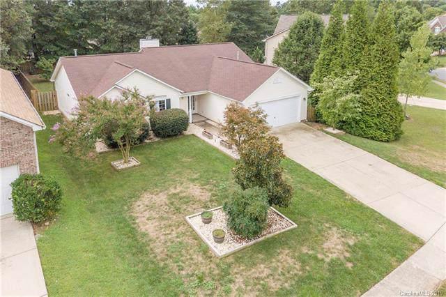 9924 Dauphine Drive, Charlotte, NC 28216 (#3536319) :: Robert Greene Real Estate, Inc.