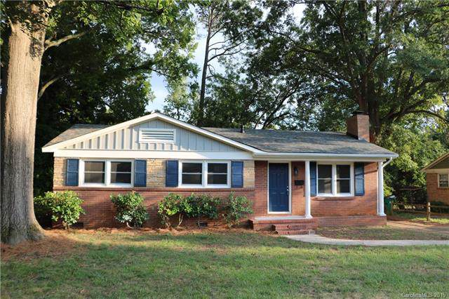 4715 Westcrest Drive, Charlotte, NC 28208 (#3536487) :: Carlyle Properties