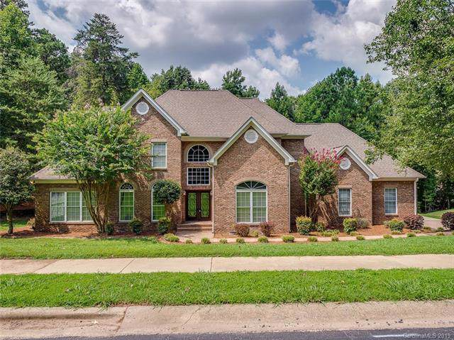 16316 Riverpointe Drive, Charlotte, NC 28278 (#3537113) :: Carlyle Properties