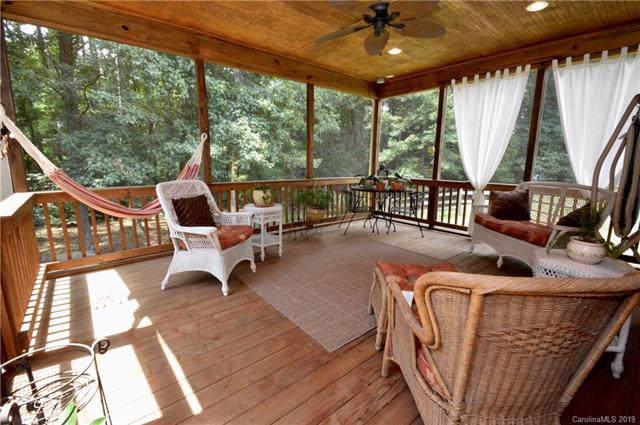 4725 Hanging Ivy Drive, Charlotte, NC 28215 (#3537310) :: LePage Johnson Realty Group, LLC