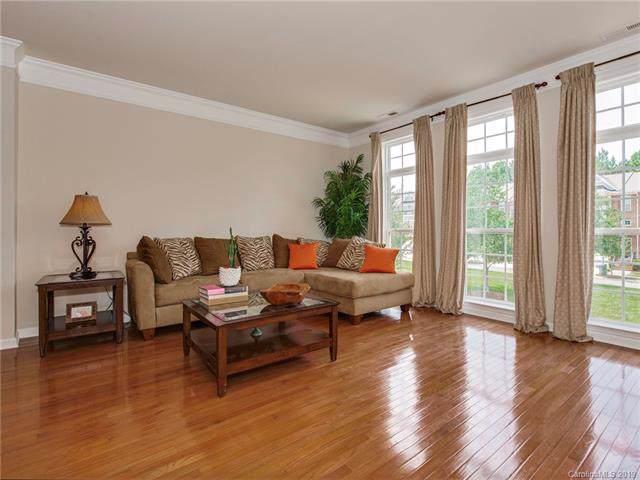 3345 Luke Crossing Drive, Charlotte, NC 28226 (#3538906) :: Carlyle Properties