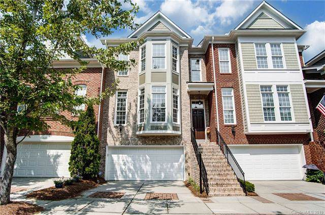2643 Huntman Way, Charlotte, NC 28226 (#3539459) :: The Andy Bovender Team
