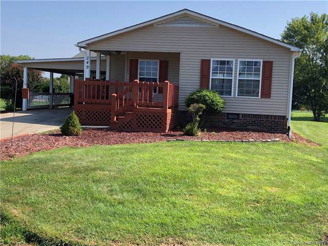 249 White Ash Circle, Hendersonville, NC 28739 (#3539544) :: Keller Williams Professionals