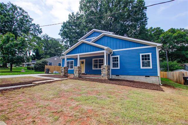 209 Seldon Drive, Charlotte, NC 28216 (#3540093) :: Homes Charlotte