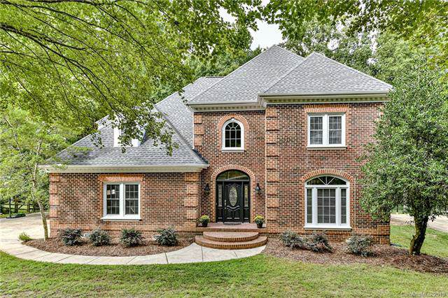 5909 Providence Glen Road, Charlotte, NC 28270 (#3540420) :: Besecker Homes Team