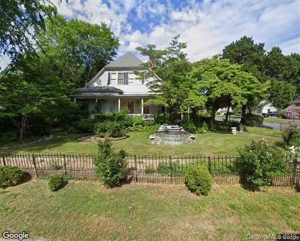 302 N Cedar Street, Lincolnton, NC 28092 (#3540655) :: LePage Johnson Realty Group, LLC