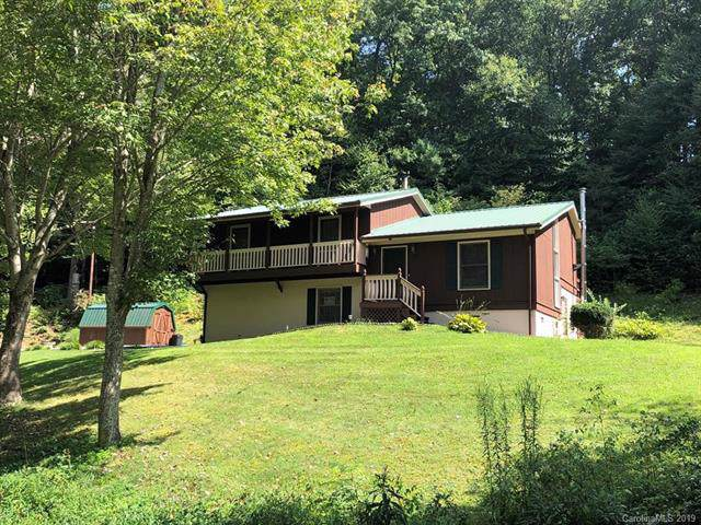 4838 Hwy 226 South, Bakersville, NC 28705 (#3541496) :: Charlotte Home Experts