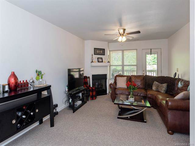 209 Carrington Place, Arden, NC 28704 (#3542083) :: Washburn Real Estate