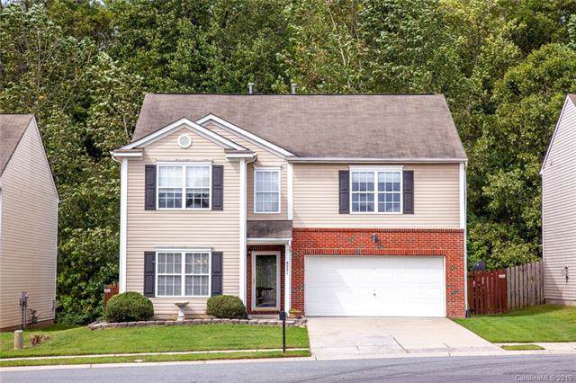 8221 Ainsworth Street, Charlotte, NC 28216 (#3542904) :: Carlyle Properties