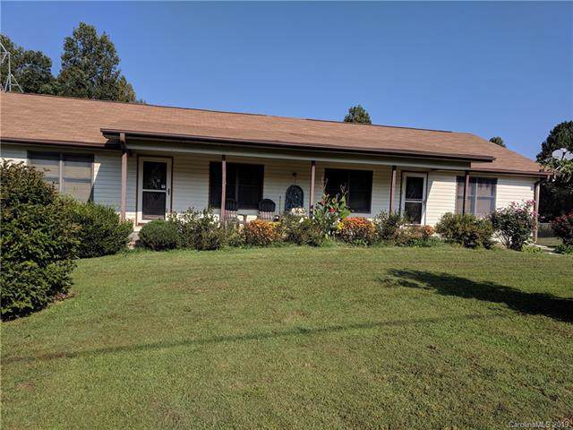 336 Low Gap Road, Hendersonville, NC 28792 (#3545306) :: The Mitchell Team