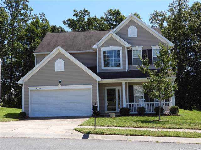 6723 Goldenwillow Drive, Charlotte, NC 28215 (#3545587) :: Roby Realty