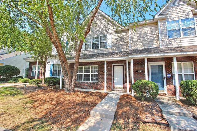 10143 Reindeer Way Lane, Charlotte, NC 28216 (#3547961) :: Homes Charlotte
