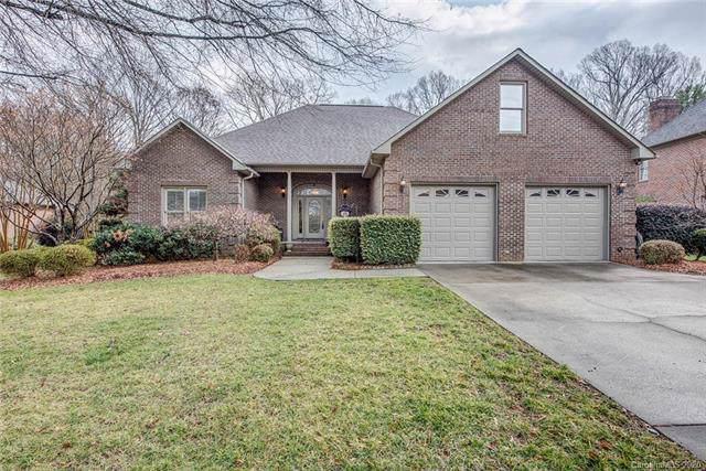 725 Hanna Woods Drive, Cramerton, NC 28032 (#3548556) :: Odell Realty