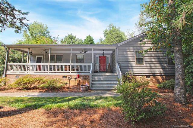 14001 Springwater Drive, Matthews, NC 28105 (#3549476) :: Carver Pressley, REALTORS®
