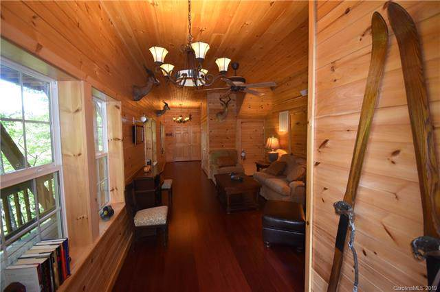 85 Wildcat Run Road, Maggie Valley, NC 28751 (#3549592) :: Rowena Patton's All-Star Powerhouse