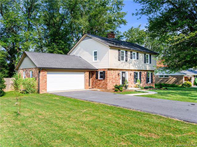 112 Underhill Road, Hendersonville, NC 28792 (#3549957) :: Robert Greene Real Estate, Inc.