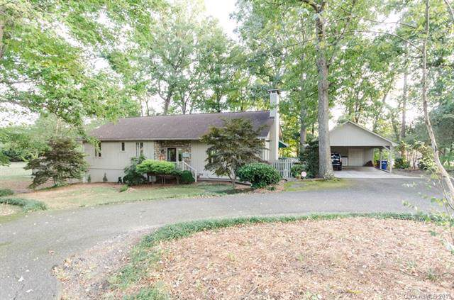 1708 Country Club Road, Lincolnton, NC 28092 (#3551760) :: Miller Realty Group