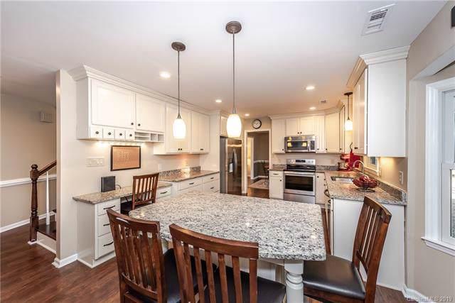 2806 Briar Ridge Drive, Charlotte, NC 28270 (#3554722) :: Scarlett Property Group