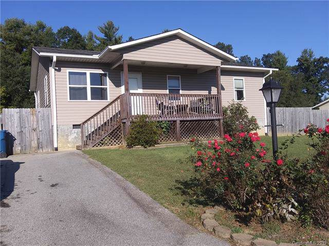 286 Ida Rogers Drive, Hendersonville, NC 28792 (#3556049) :: The Ramsey Group