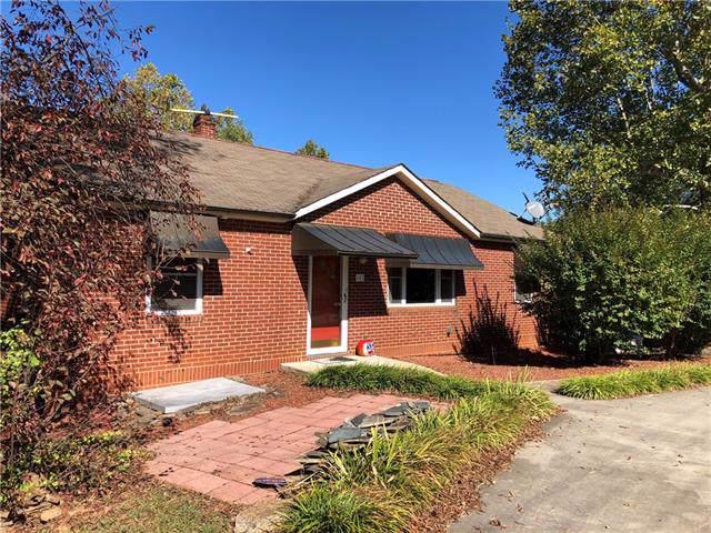 463 23rd Avenue NE, Hickory, NC 28601 (#3560120) :: Homes Charlotte